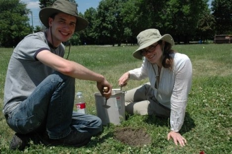 David Ritter (LAS '10) and Kathryn Weber (LAS) dig in Pullman during summer 2008. Photo credit: Allen Dayag